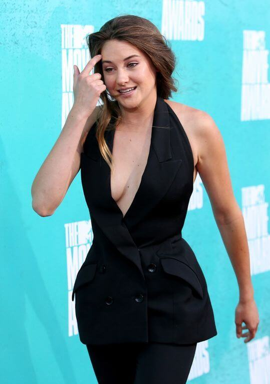 Shailene Woodley, Height, Weight, Bra Size, Age, Measurements