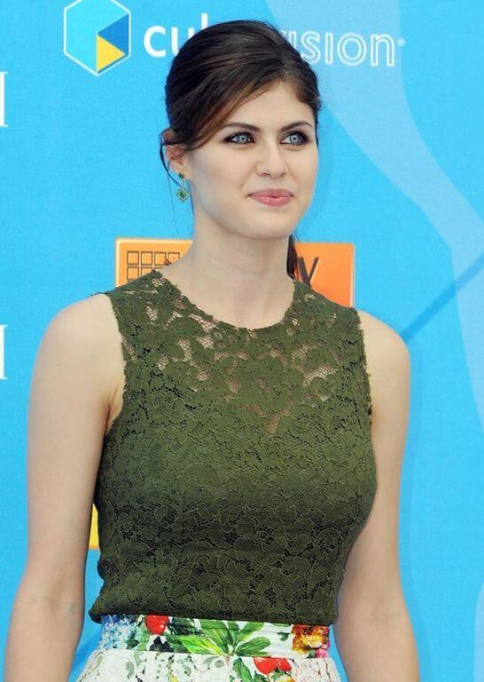 Alexandra Daddario, Height, Weight, Bra Size, Age, Measurements