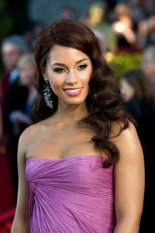 Alicia Keys, Height, Weight, Bra Size, Age, Measurements