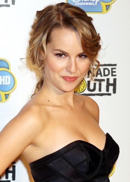 Bridgit Mendler, Height, Weight, Bra Size, Age, Measurements