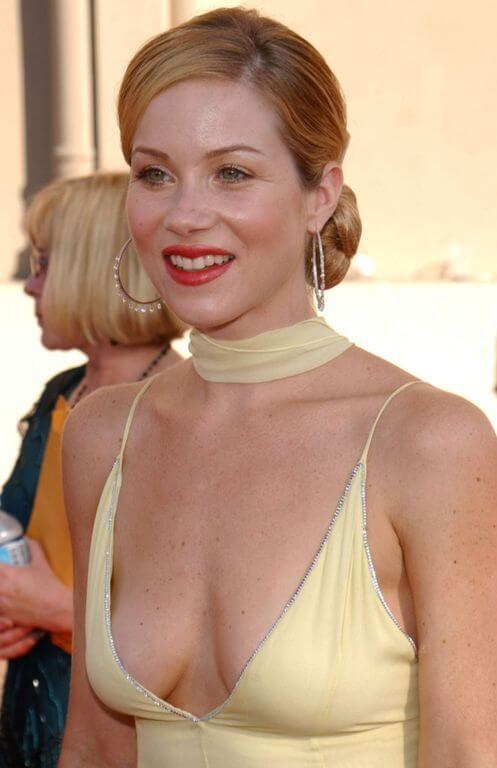 Christina Applegate, Height, Weight, Bra Size, Age, Measurements
