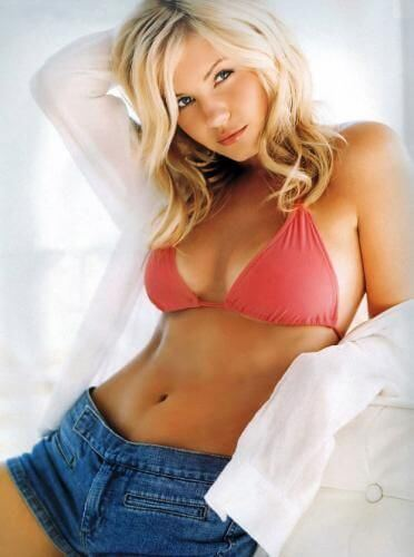 Elisha Cuthbert, Height, Weight, Bra Size, Age, Measurements