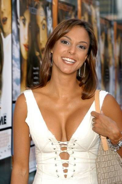 Eva LaRue, Height, Weight, Bra Size, Age, Measurements