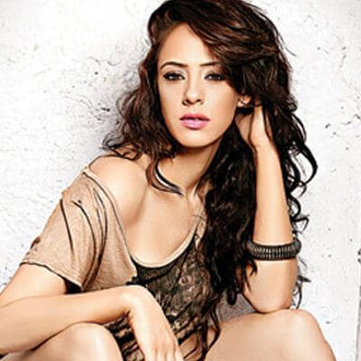 Hazel Keech, Height, Weight, Bra Size, Age, Measurements