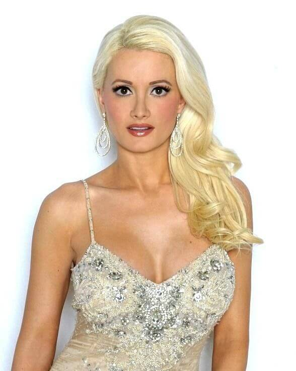 Holly Madison, Height, Weight, Bra Size, Age, Measurements