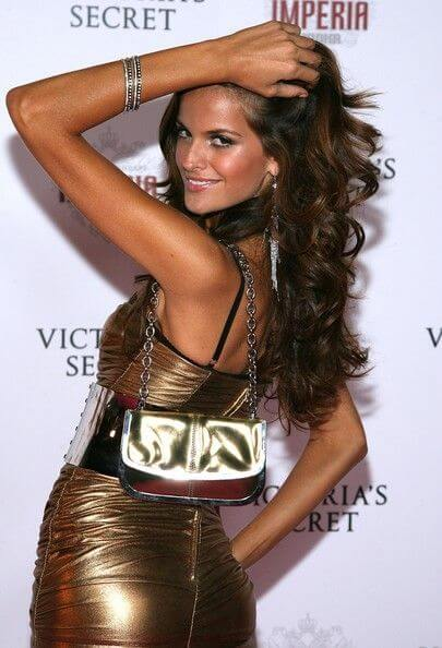 Izabel Goulart, Height, Weight, Bra Size, Age, Measurements