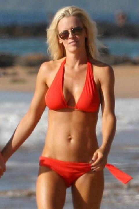 Jenny McCarthy Body Measurements