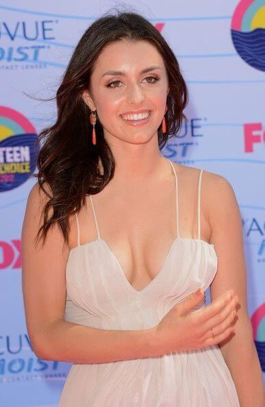 Kathryn McCormick, Height, Weight, Bra Size, Age, Measurements