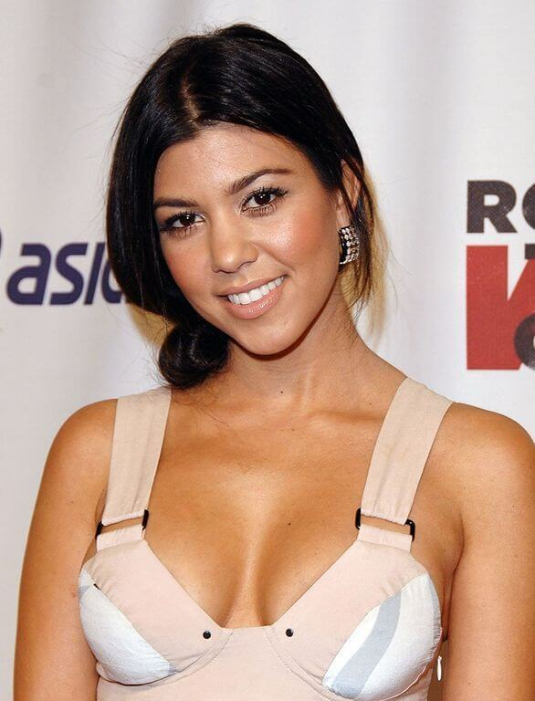 Kourtney Kardashian, Height, Weight, Bra Size, Age, Measurements