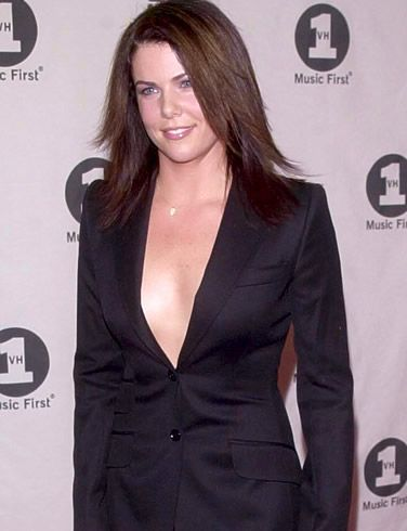 Lauren Graham Body Measurements