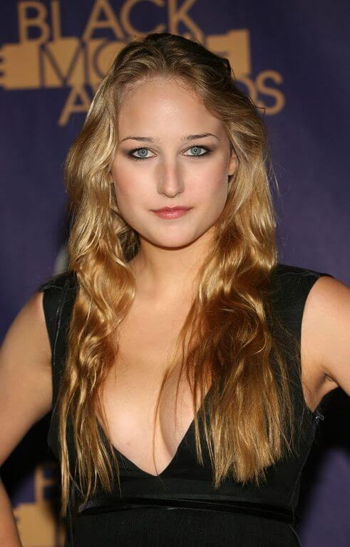 Leelee Sobieski, Height, Weight, Bra Size, Age, Measurements