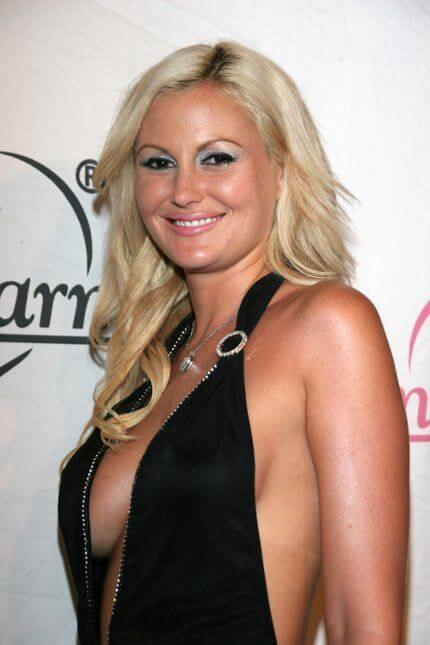Megan Hauserman, Height, Weight, Bra Size, Age, Measurements