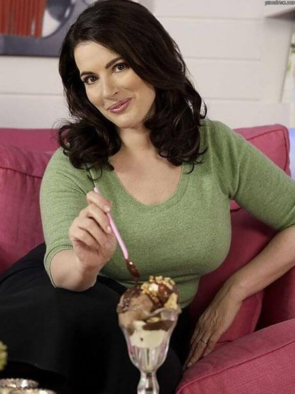Nigella Lawson, Height, Weight, Bra Size, Age, Measurements