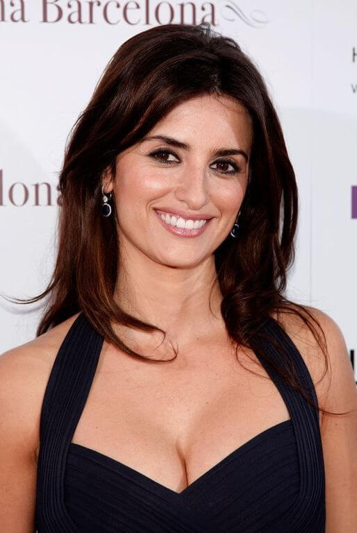 Penelope Cruz, Height, Weight, Bra Size, Age, Measurements