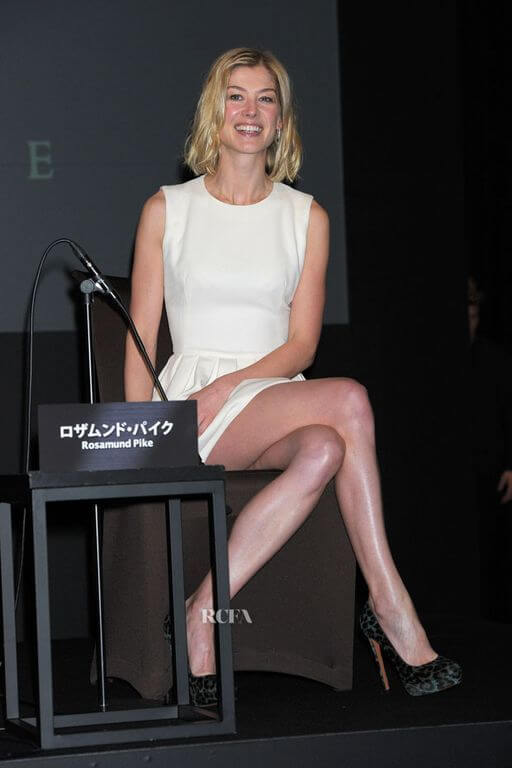 Rosamund Pike Height Weight Body Measurements - Hollywood ...
