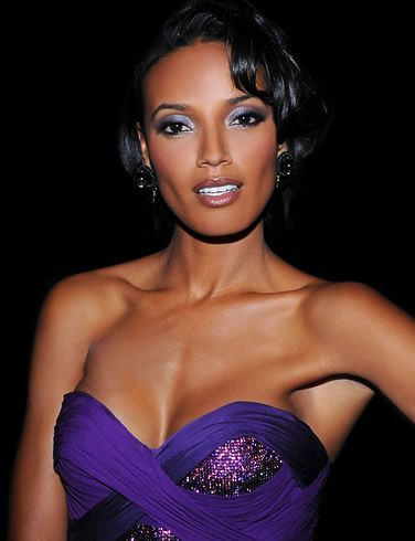 Selita Ebanks, Height, Weight, Bra Size, Age, Measurements