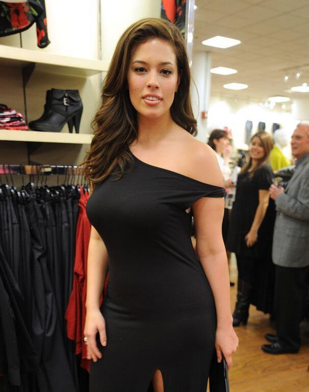 Ashley graham height weight body measurements hollywood for Model height