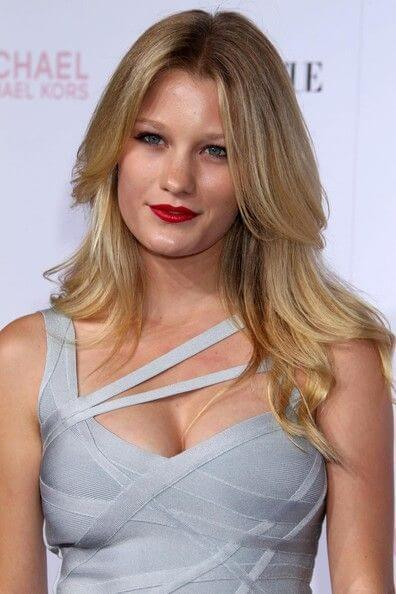 Ashley Hinshaw, Height, Weight, Bra Size, Age, Measurements