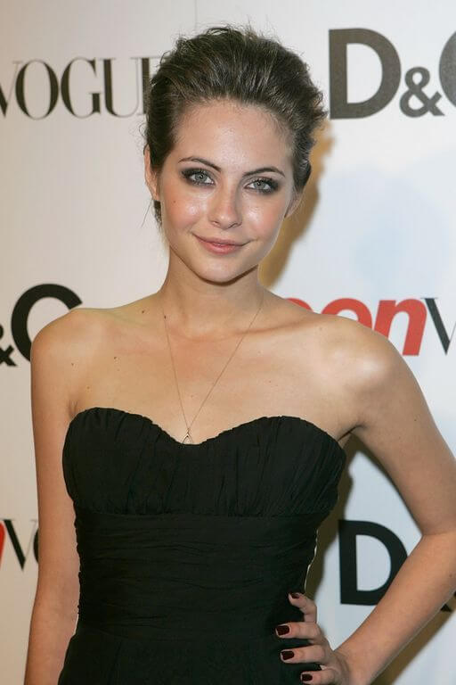 Willa Holland Height and Weight