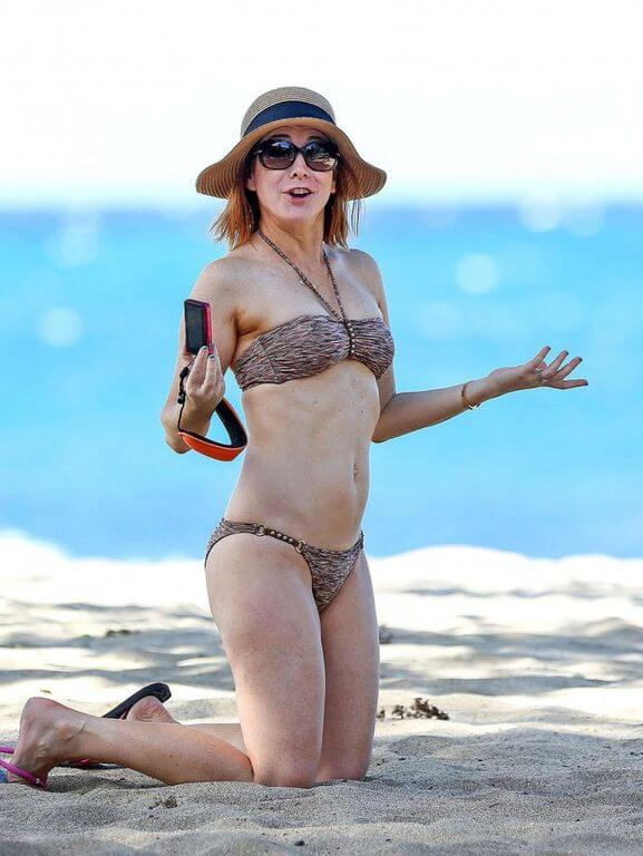 Opinion Hot alyson hannigan bikini