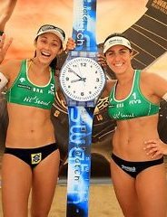 Talita Antunes with Larissa Franca body picture