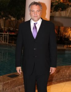 vincent_donofrio_body_in_suit