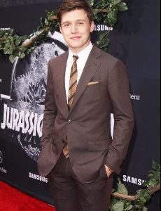 nick_robinson_height