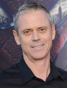 c_thomas_howell_profile